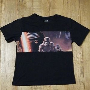 Star Wars tshirt boys S, excellent condition